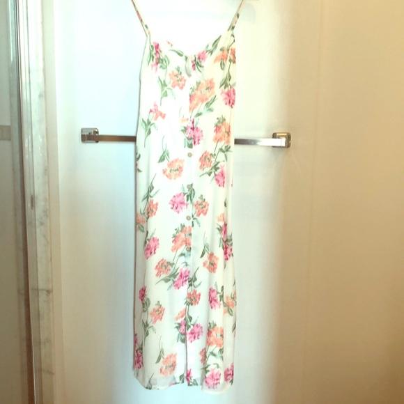 Gorgeous Abercrombie white floral midi dress
